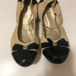 Tahari cream and black flat shoes